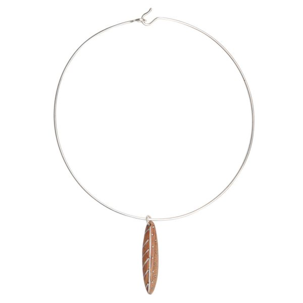 Lone Leaf Choker Necklace